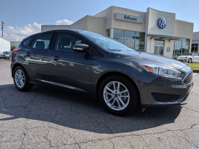 51fe3ff13d539 Pre-Owned 2017 Ford Focus SE FWD Hatchback