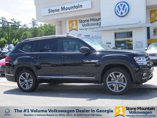 New 2019 Volkswagen Atlas 3.6L V6 SE w/Technology R-Line and 4Motion