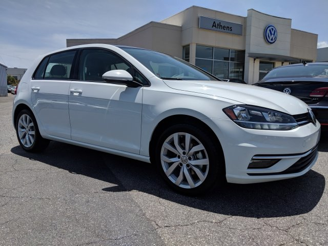 New 2019 Volkswagen Golf SE