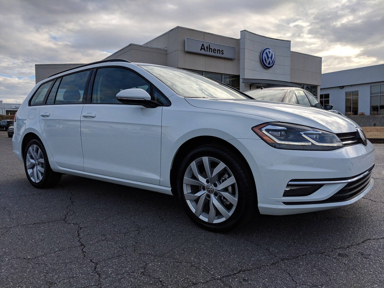 New 2019 Volkswagen Golf Sportwagen Se Station Wagon In Snellville
