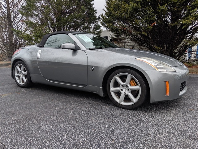 Pre-Owned 2005 Nissan 350Z Grand Touring