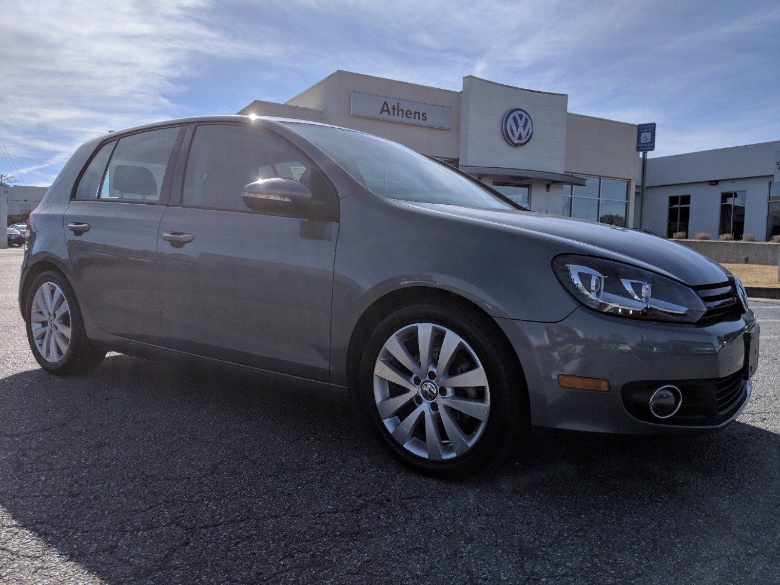 Certified Pre-Owned 2013 Volkswagen Golf TDI w/Sunroof & Nav