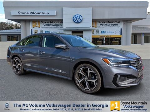 New 2020 Volkswagen Passat 2.0L I4 TSI Turbocharged 2.0T R-Line FWD 4D Sedan